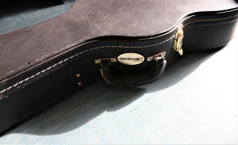 Kova laukku Les Paul-mallin sähkökitaroille (käytetty)