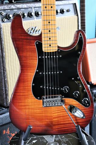 Fender Stratocaster Select Series 2012 (käytetty)