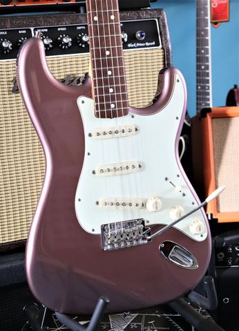 Fender Made in Japan Hybrid `60s Stratocaster (käytetty)