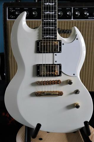 ESP LTD Deluxe Viper 1000 (used)