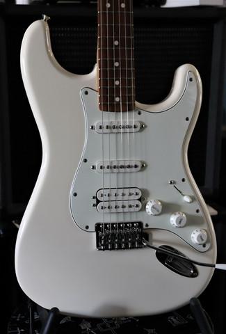Fender Standard Stratocaster HSS 2017 (used)