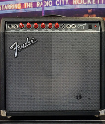 Fender 'Red Knob' Champ 12 (käytetty)