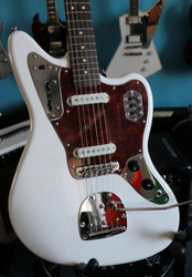 Squier Vintage Modified Jaguar Olympic White (käytetty)