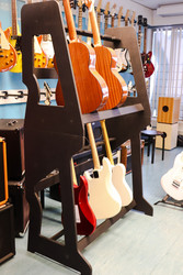 Luoto two-tier guitar stand (new)