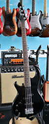 Aria Pro II Left Handed bass (used)
