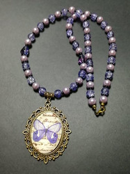 Butterfly neclace with violet beads