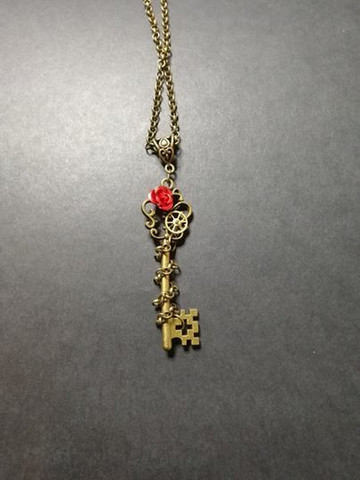 Chained key & rose necklace