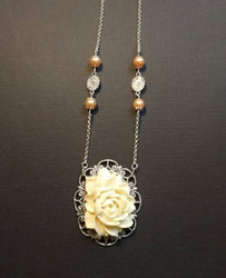 Pale rose necklace