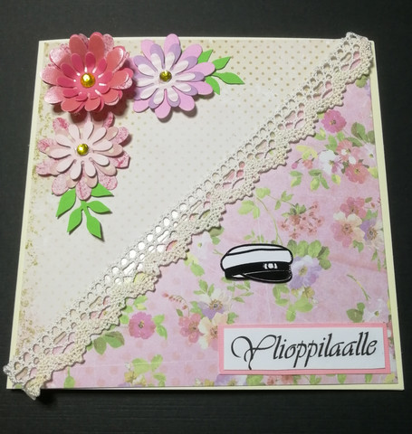 Handmade graduate card lace and flowers