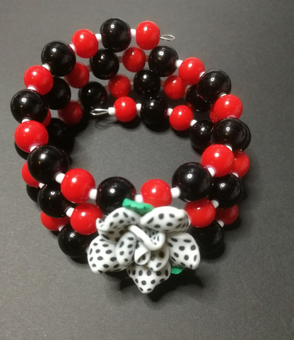 Red and black Memory Wire Bracelet with red rose