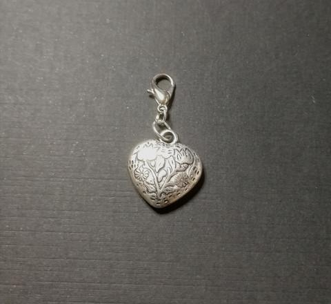 Pantakoru, hopeinen sydän