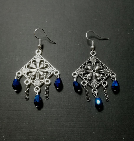 Hanging Earrings with Blue Droplets