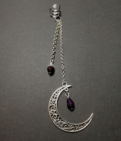 Link Earring Crescent Moon