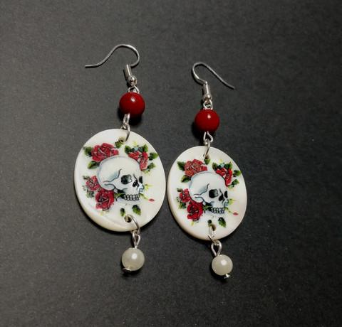 Tattoo skull earrings with white pearl bead