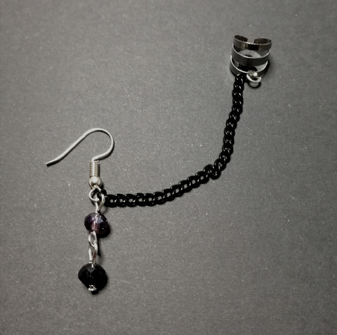 Link earring with small beads