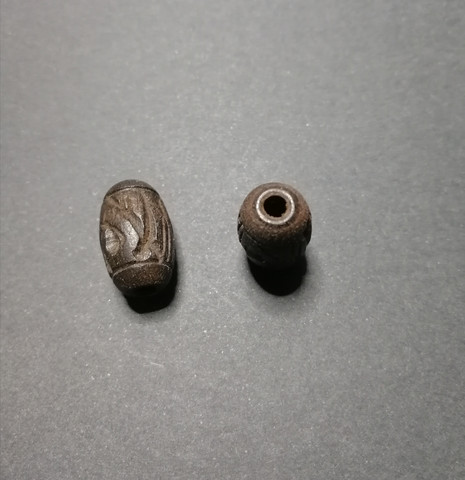Black wooden carved dread bead