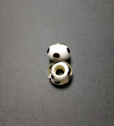 Lock bead black dots