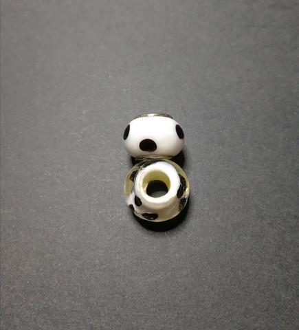 Lock bead black dots