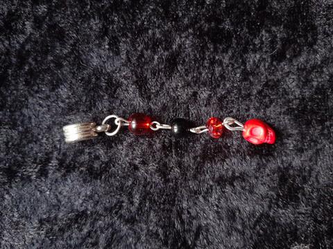 Lock jewelry red skull