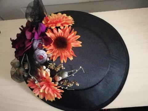 FirefoxxFlowers hat with colorful flowers