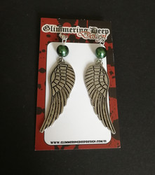 Wing earrings with green beads
