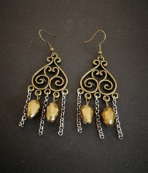 Earrings with gold droplets
