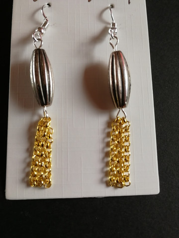 Earrings with golden chains