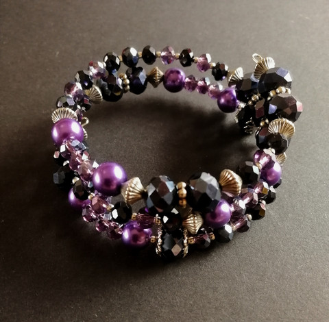 Bracelet with black violet and silver