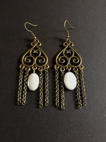 Viking earrings with clams