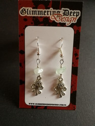Octopussy earrings with stone beads