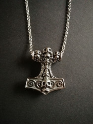 Thor's hammer necklace skull with chain