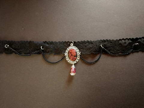 Lace necklace with skeleton women and black chains