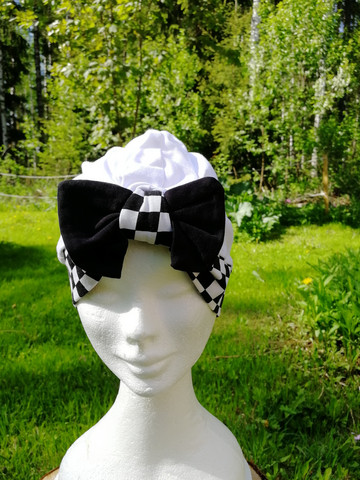 White square bow hat