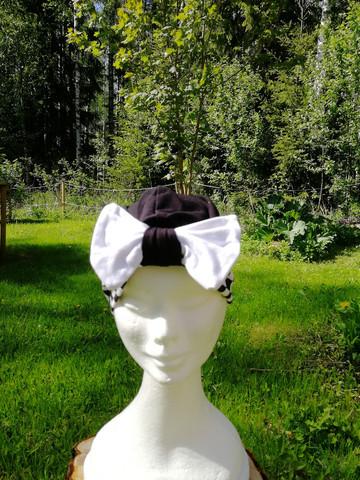 Black square bow hat