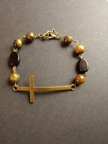 Cross bracelet with stone beads