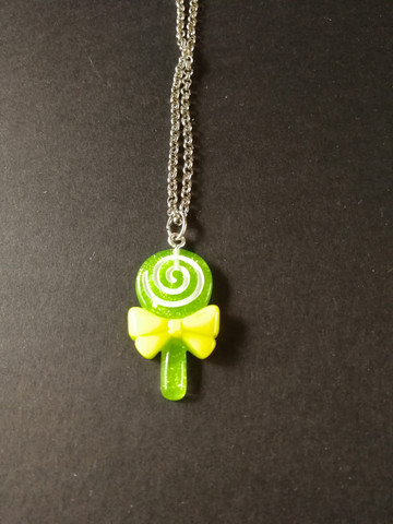 Green lollipop necklace