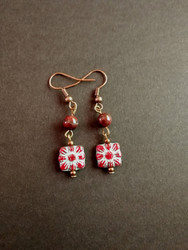 Flower earrings with stone beads