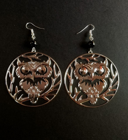 Big owl earrings with black beads