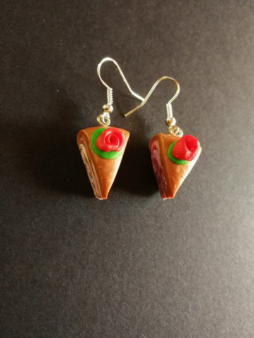 Cake earrings with red flower