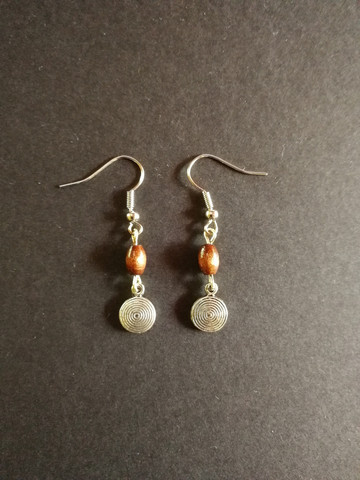 Ring earrings with wood beads