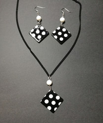 Black square set with dots
