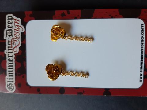 Stud earring golden rose
