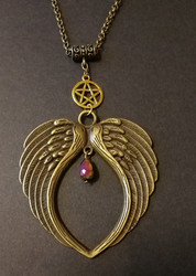 Wings Necklace with gold colour pentagram