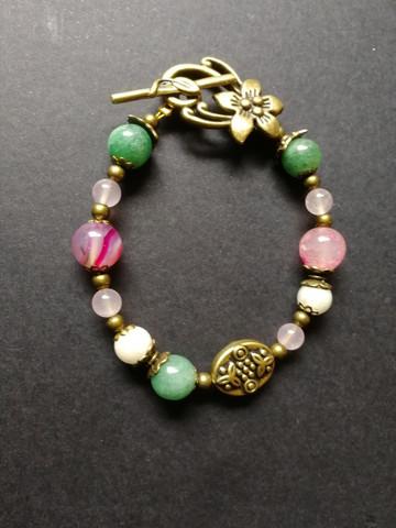 Flower stone beads bracelet