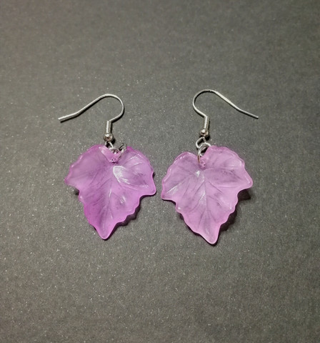 Light violet maple leaf earrings