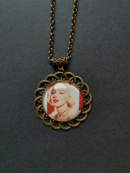 Marilyn necklace