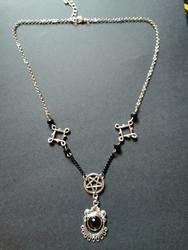 Goth pendant with pentagram