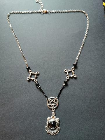 Goottiriipus pentagrammilla