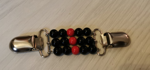 Black and red sweater clip