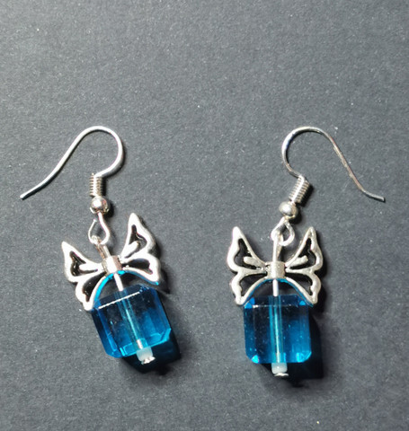 Siniset lahjapaketti korvakorut